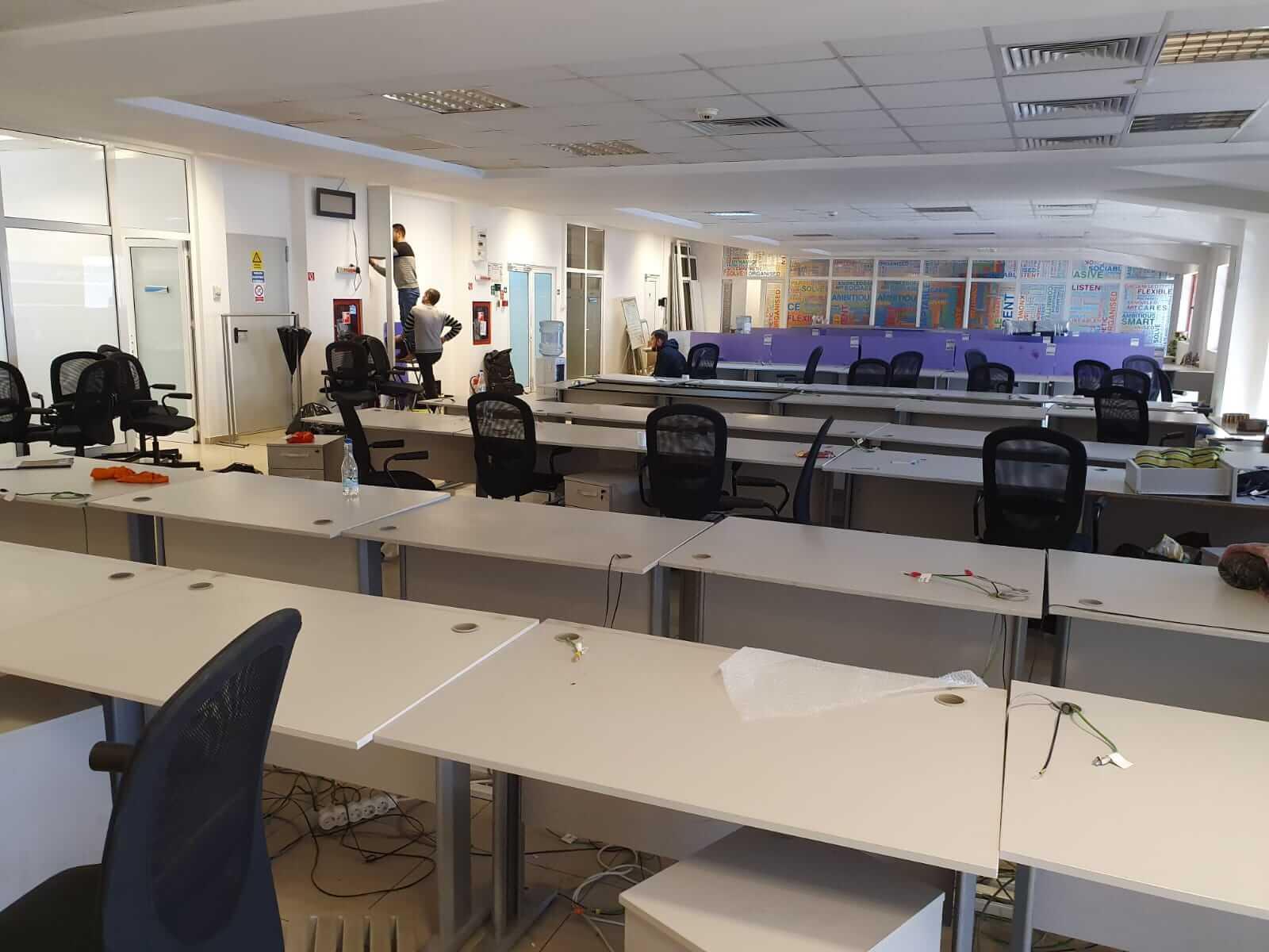 Sala unei firme relocate de Mutari Iasi